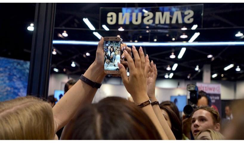Mời quý khách ngắm nhìn bộ Ảnh cùng Vivo V7 Plus chu du đã các con hẻm Sài Gòn